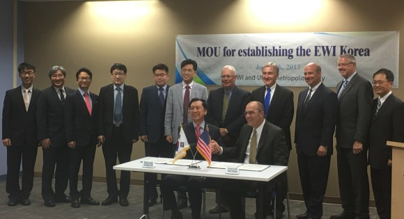 Representatives from Ulsan Metropolitan City and EWI sign a memorandum of understanding